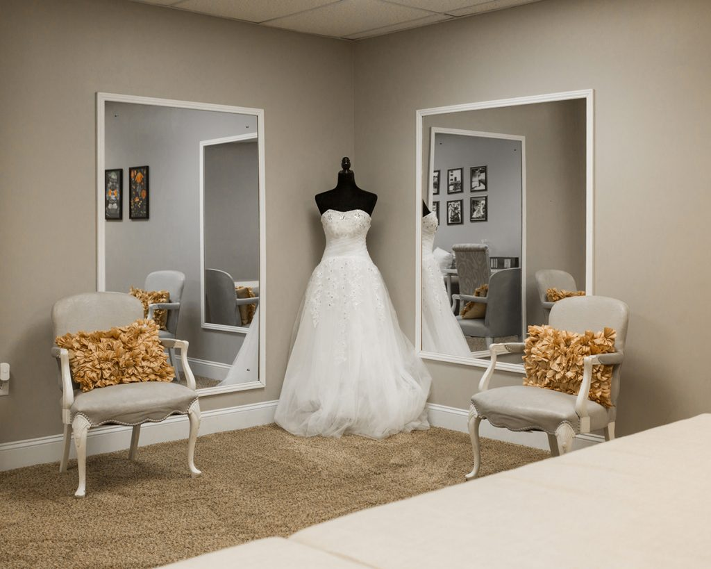 Lighthouse Knoxville bridal suite for weddings